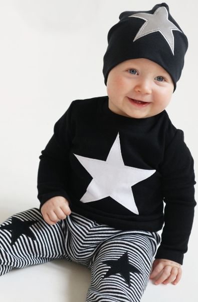 Baby-knitted pants, black/white star
